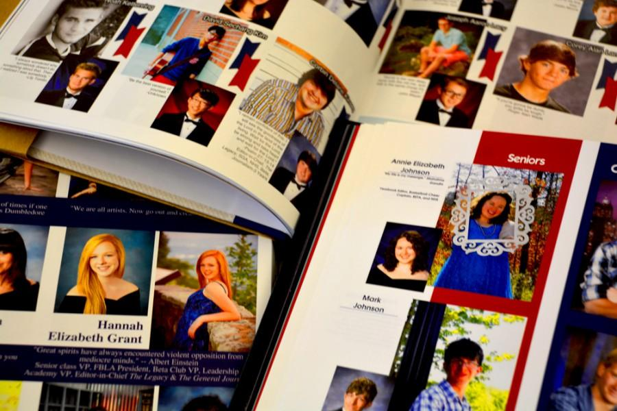 SENIORS, MAKE SURE YOU'RE PICTURED IN THE YEARBOOK!